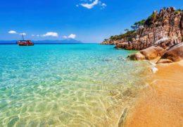 Sarti Grčka – iskustva, utisci, plaže, slike, cene